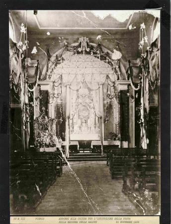 Addobbi alla chiesa per l'istituzione della Festa della Madonna della Salute