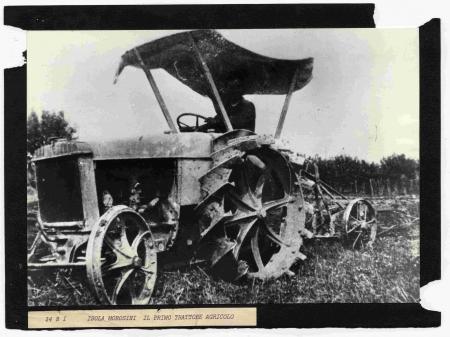 Il primo trattore agricolo