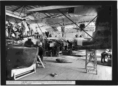 """""""Hangar"""" della Regia Aeronautica nei C.R.D.A. dove lavoravano molti nostri paesani"""